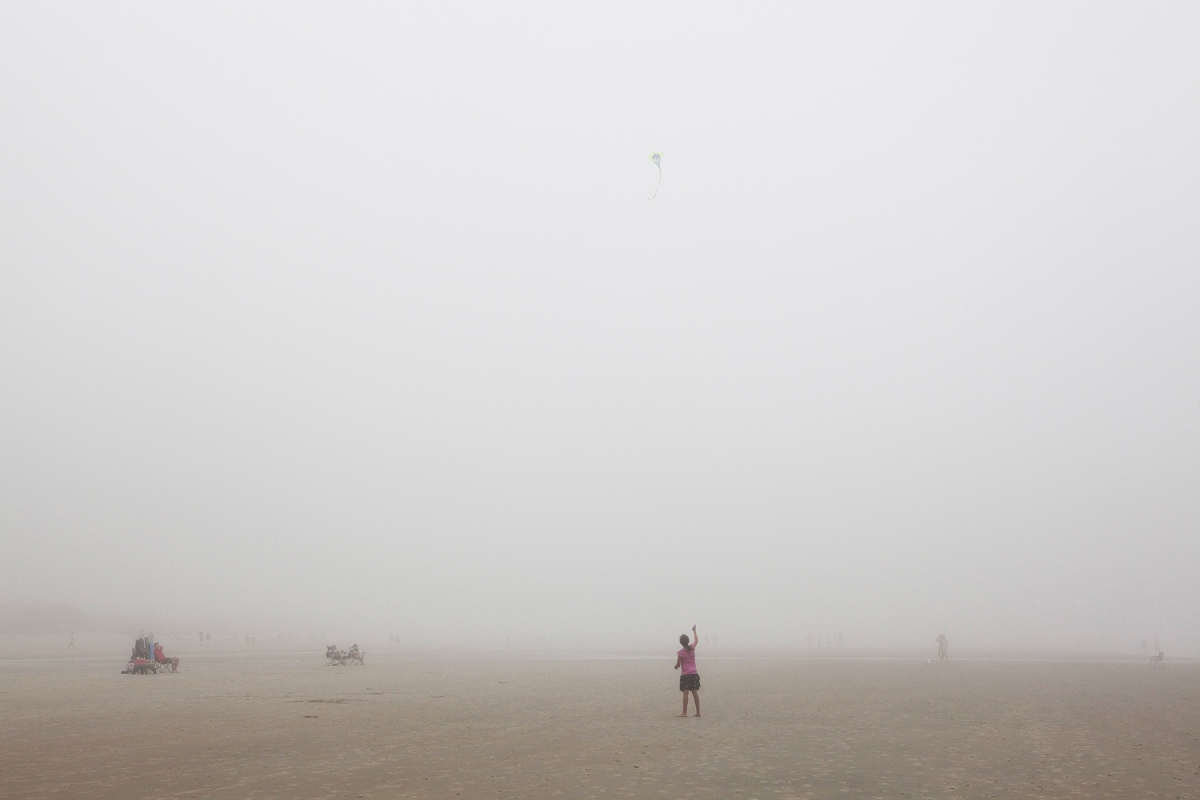 Ogunquit kite in fog 2598